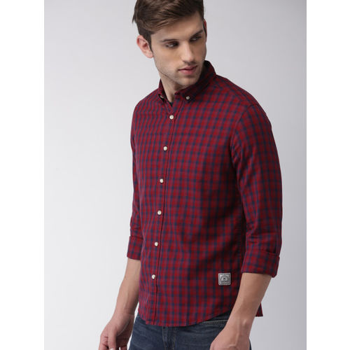 Harvard Men Red & Navy Blue Checked Casual Shirt