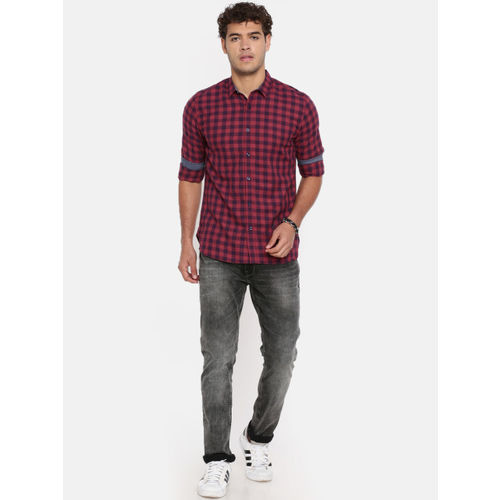 Breakbounce Men Red & Navy Blue Slim Fit Checked Casual Shirt