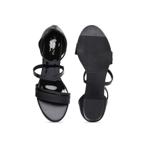 Monrow Women Black Solid Sandals