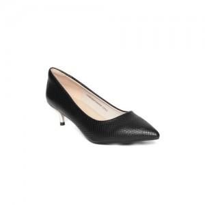 7c54d745ef Buy latest Women s FootWear from Van Heusen online in India - Top ...
