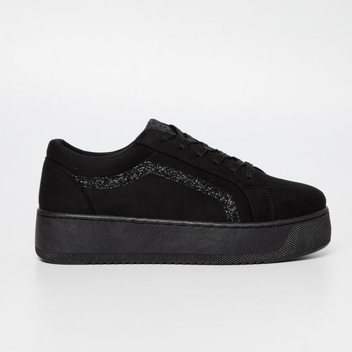 Ginger by lifestyle Platform Sneakers with Embellished Accent