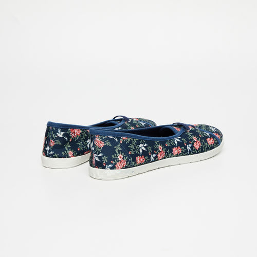 Ginger by Lifestyle Navy Blue Synthetic Printed Slip-On Sneakers