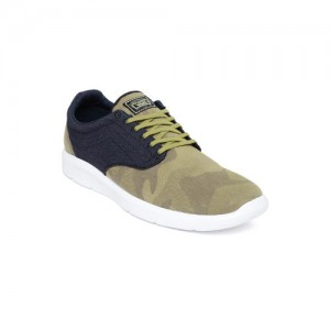 67f45abf4e Buy latest Women s Casual Shoes from Vans On Myntra online in India ...