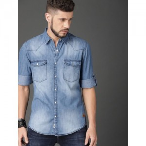 Roadster Blue Regular Fit Faded Chambray Casual Shirt