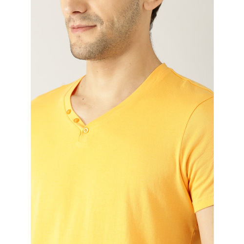 United Colors of Benetton Men Yellow Solid V-Neck T-shirt