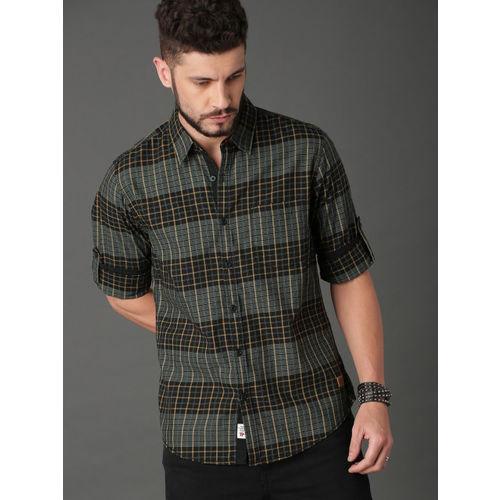 Roadster Men Black & Khaki Brown Regular Fit Checked Casual Shirt