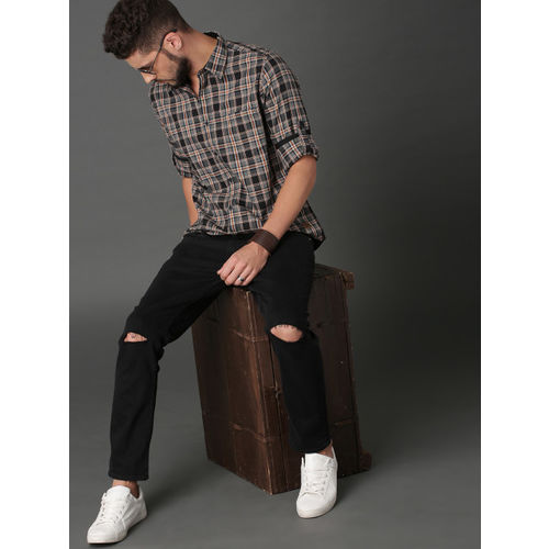 Roadster Men Grey & Red Checked Casual Shirt