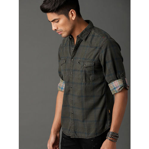 Roadster Men Olive Green & Teal Regular Fit Checked Casual Shirt