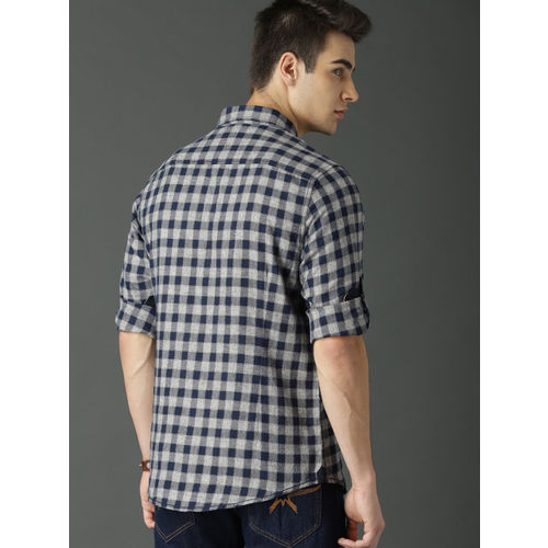 Roadster Men Navy Blue & Grey Regular Fit Checked Casual Shirt