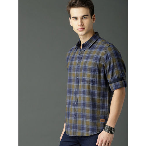Roadster Men Navy Blue & Green Regular Fit Checked Casual Shirt