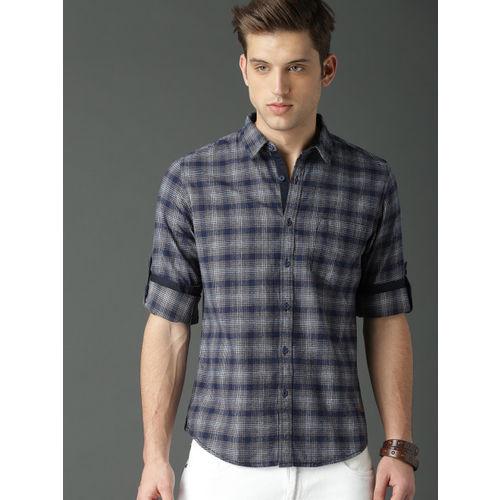 Roadster Men Navy Blue & White Regular Fit Checked Formal Shirt