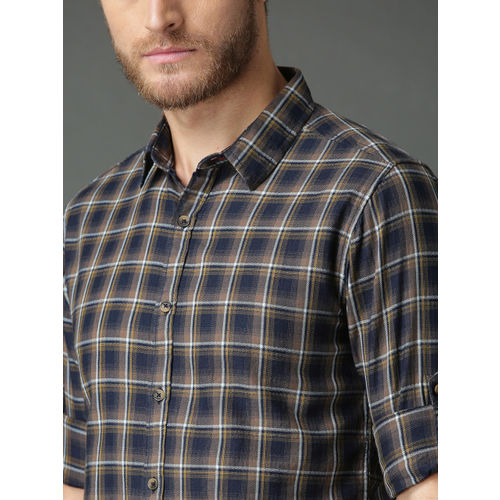 Roadster Men Navy Blue & Mustard Brown Regular Fit Checked Casual Shirt