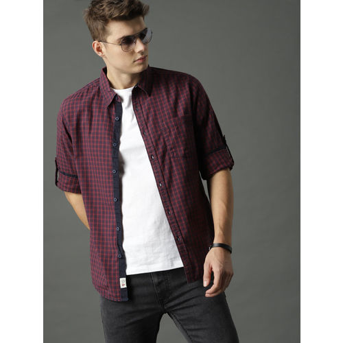 Roadster Men Maroon Regular Fit Checked Casual Shirt