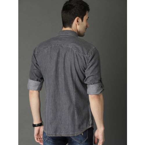 Roadster Men Charcoal Grey Regular Fit Solid Chambray Casual Shirt
