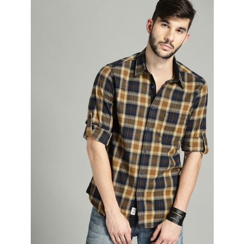 Roadster Men Navy & Brown Regular Fit Checked Casual Shirt
