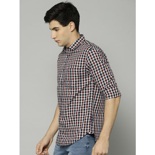 French Connection Men Maroon & Navy Blue Regular Fit Checked Casual Shirt