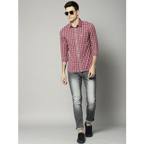 French Connection Men Red & White Regular Fit Checked Casual Shirt