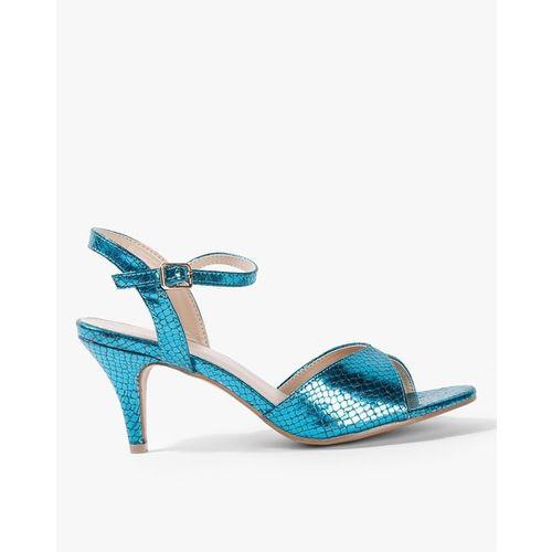 AJIO Textured Heels with Buckle Fastening