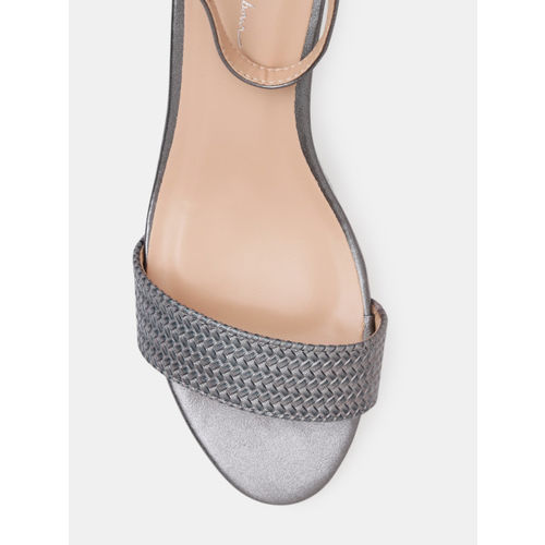 Mast & Harbour Women Grey Woven Design Heels