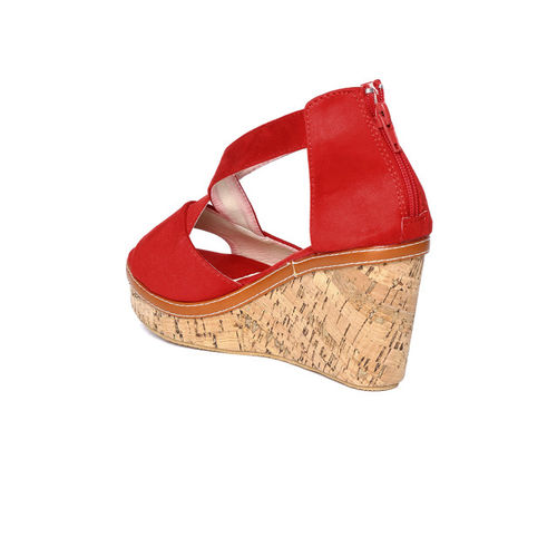 red pout Women Red Solid Heels