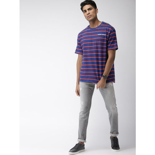 Tommy Hilfiger Men Blue & Red Striped Round Neck T-shirt