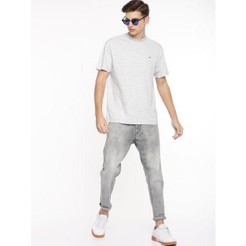 Tommy Hilfiger Men Off-White Striped Round Neck T-shirt