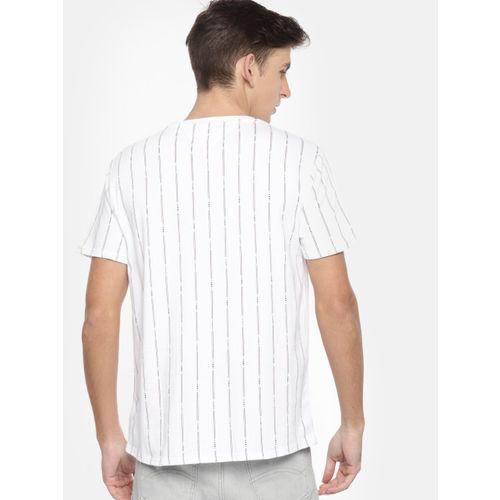 Tommy Hilfiger Men White & Navy blue Striped Round Neck T-shirt