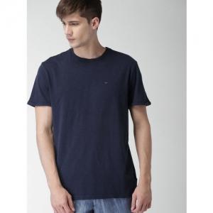 Tommy Hilfiger Men Navy Solid Round Neck T-shirt
