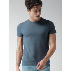 Tommy Hilfiger Men Blue Slim Fit Solid Round Neck T-shirt