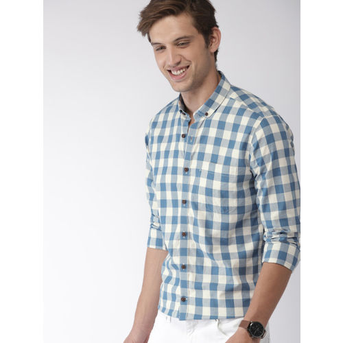 Mast & Harbour Men Blue & White Regular Fit Checked Casual Shirt
