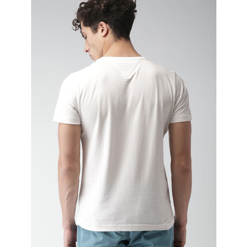 Tommy Hilfiger Men Off-White Printed Round Neck T-shirt