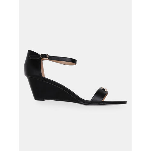 Mast & Harbour Women Black Solid Sandals