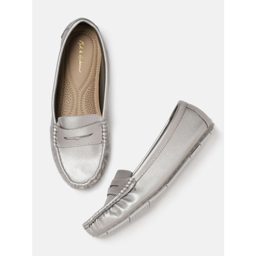 Mast & Harbour Women Silver-Toned Loafers