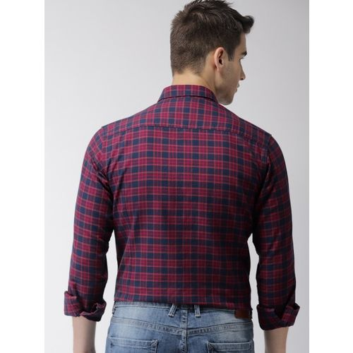 Mast & Harbour Men Navy Blue & Red Slim Fit Checked Casual Shirt
