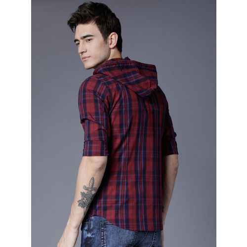 HIGHLANDER Navy Blue & Maroon Slim Fit Checked Casual Shirt