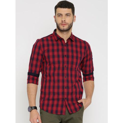 f451f552cb56 ... HIGHLANDER Men Red & Navy Blue Slim Fit Checked Casual Shirt ...
