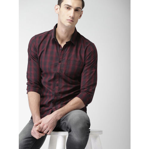 HIGHLANDER Men Black & Maroon Slim Fit Checked Casual Shirt