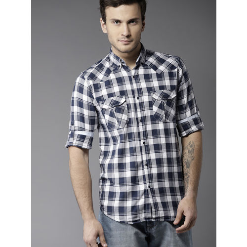DENNISON Men Navy Blue& White Slim Fit Checked Casual Shirt