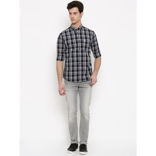 U.S. Polo Assn. Men Black & White Regular Fit Checked Casual Shirt