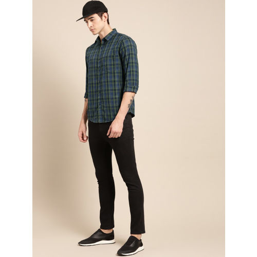 ether Men Navy Blue & Green Regular Fit Checked Casual Shirt
