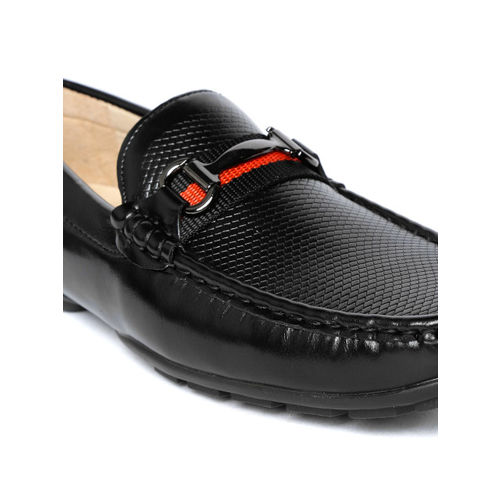 Tresmode Men Black Textured Driving Shoes