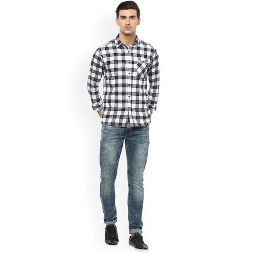 People Men Black & White Regular Fit Checked Casual Shirt