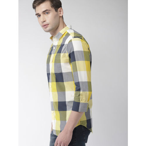 Levis Men Yellow & Navy Blue Slim Fit Checked Casual Shirt