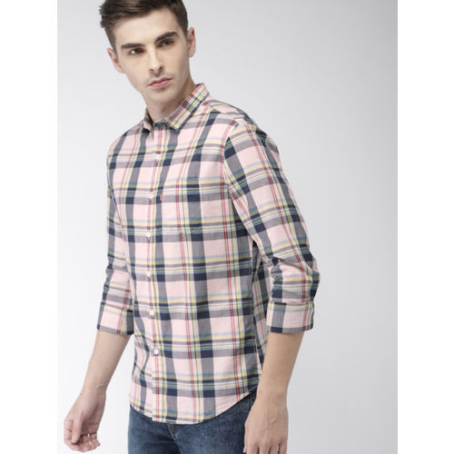 Levis Men Pink & Grey Slim Fit Checked Casual Shirt