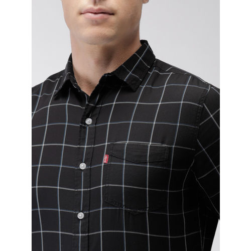 Levis Men Black Slim Fit Checked Casual Shirt