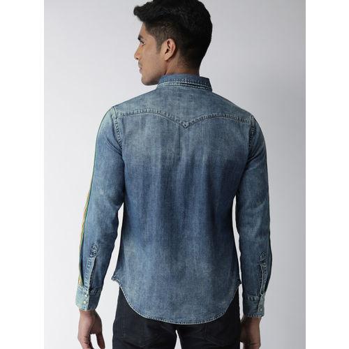 Levis Men Blue Slim Fit Faded Casual Denim Shirt