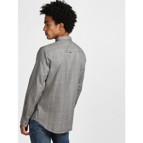 Levis Men Grey Trim Slim Fit Checked Casual Shirt