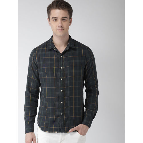 Levis Men Navy & Yellow Slim Fit Checked Casual Reversible Shirt