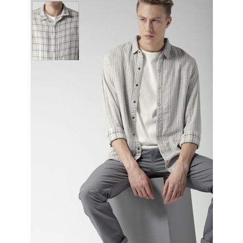 Levis Men Off-White & Black Regular Fit Checked Reversible Casual Shirt