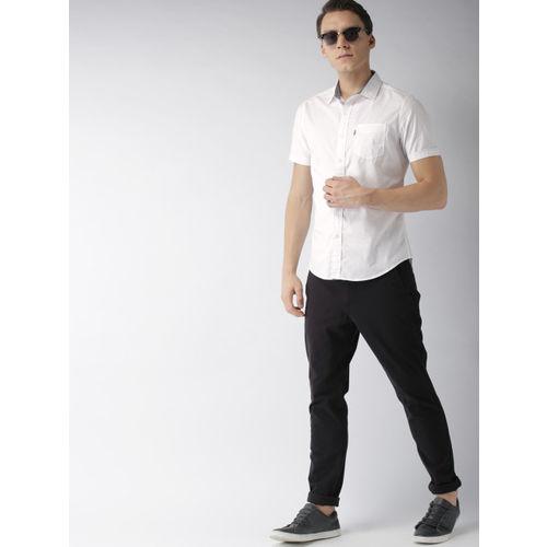 Levis Men White Slim Fit Solid Casual Shirt
